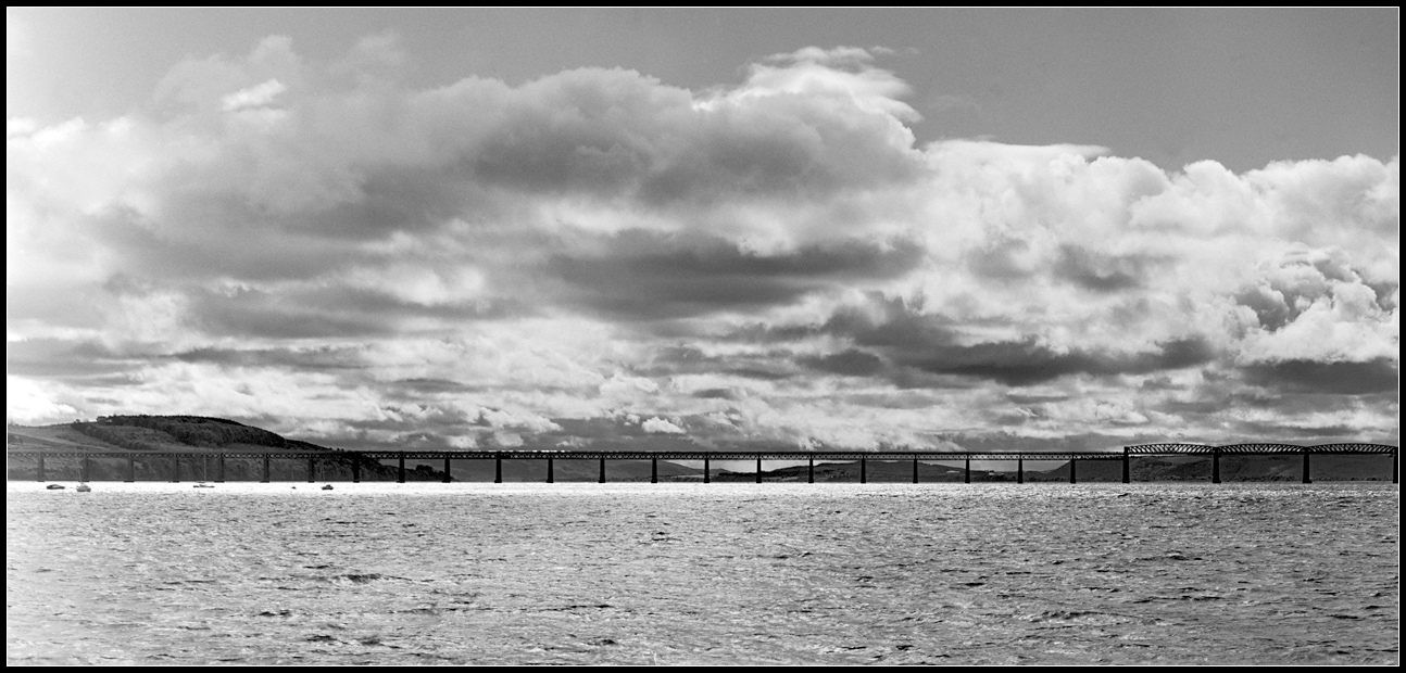 Tay Railway Bridge (Dundee) CC BY-NC-ND 2.0 Tim Haynes